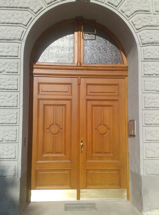 Hauseingangstor nach Sanierung Sicherheitstüre Wien