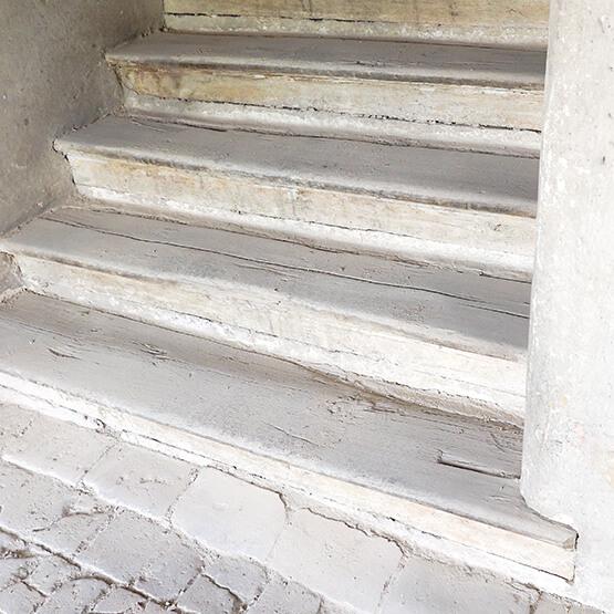 Renovierung und Sanierung Stiegen Dachboden