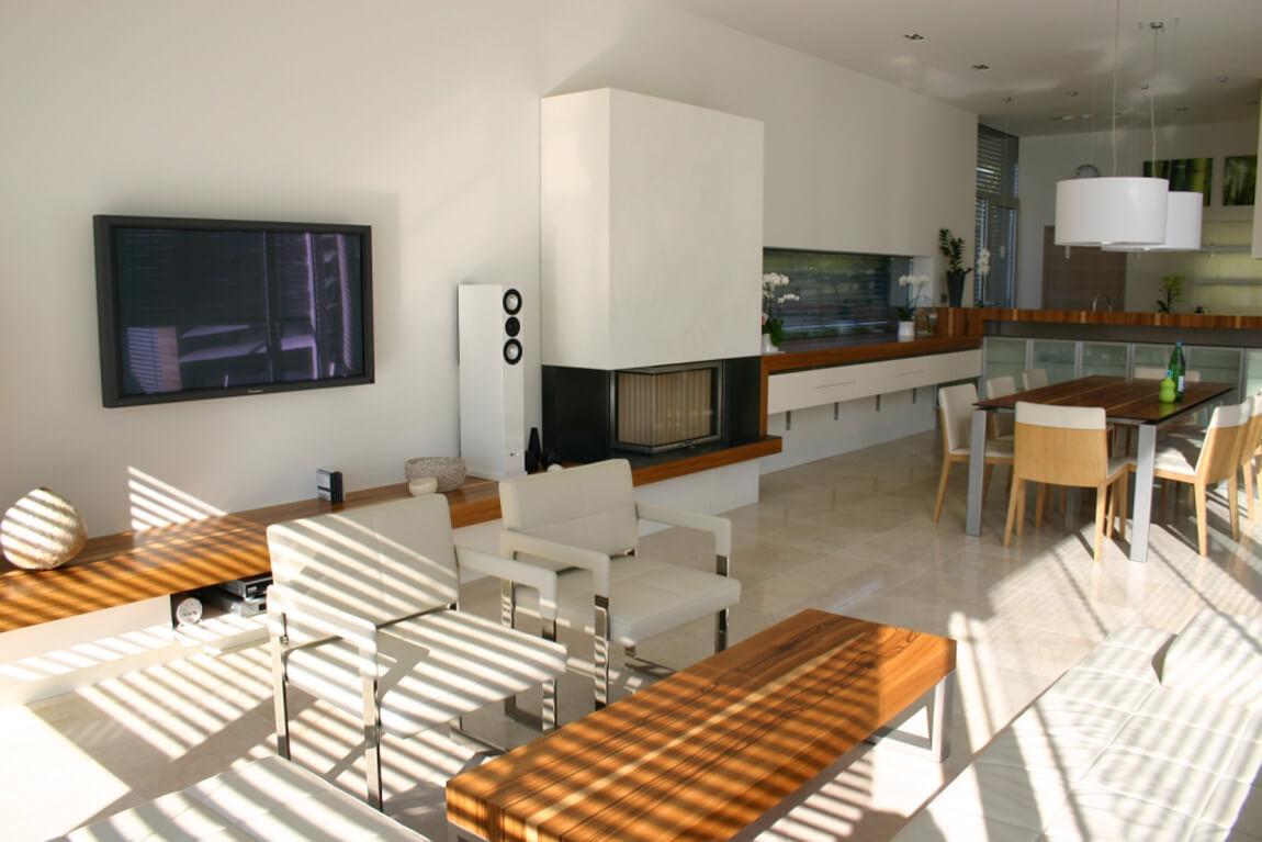 Wohn-Esszimmer mit Kamin