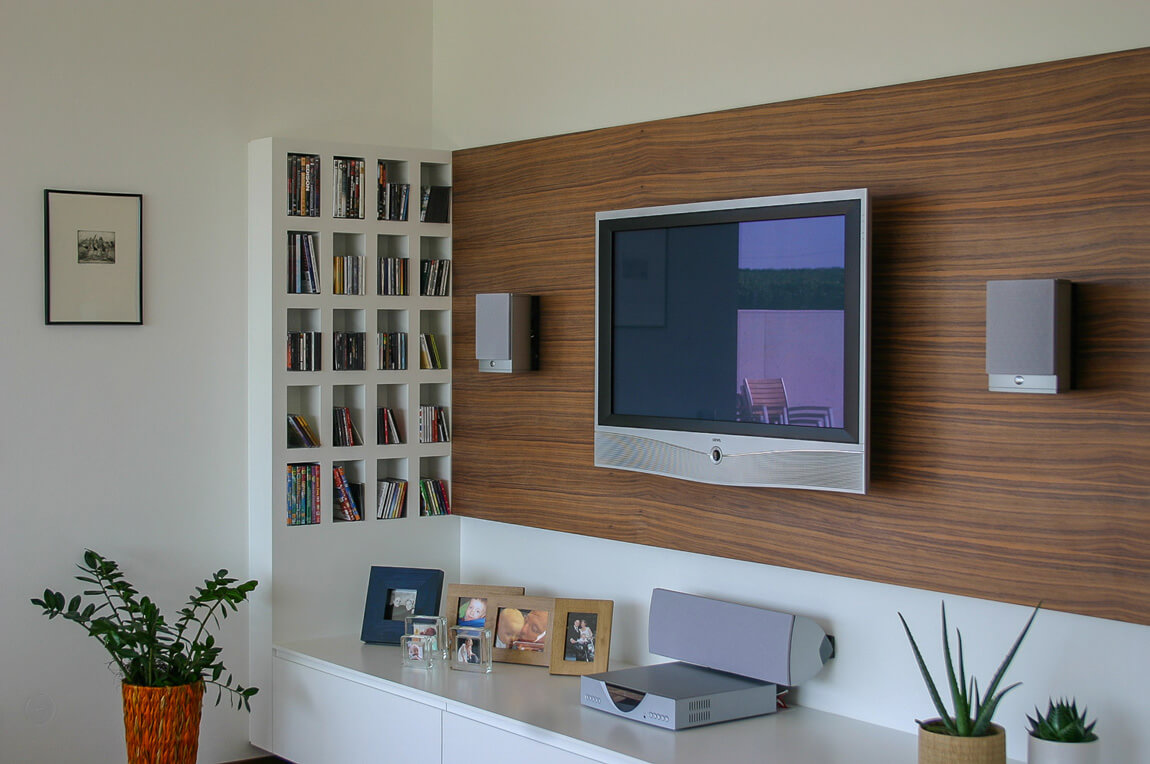 Multimediawand Wohnzimmer Nuss