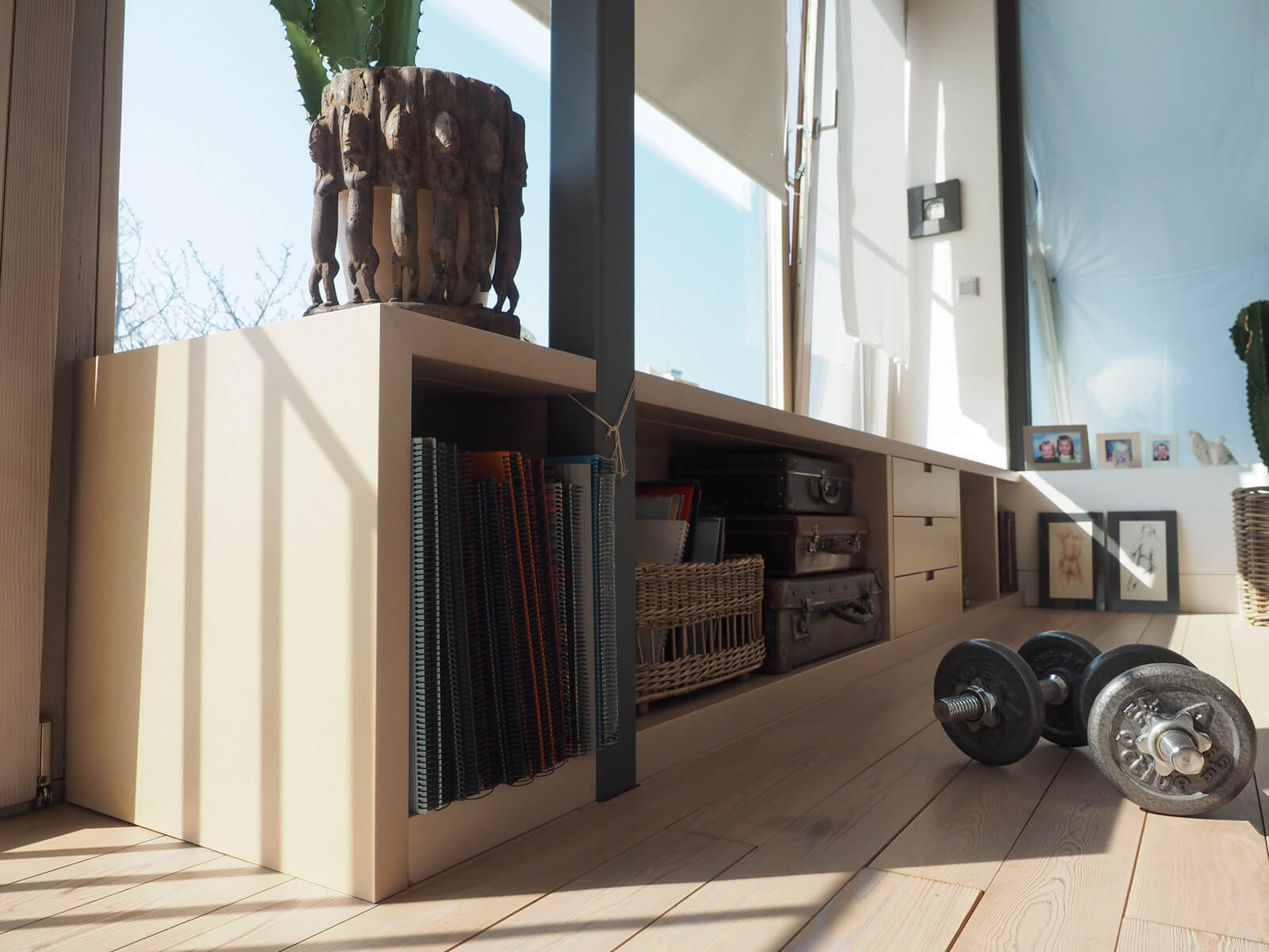 tischlerei ecker innenarchitektur im einfamilienhaus. Black Bedroom Furniture Sets. Home Design Ideas