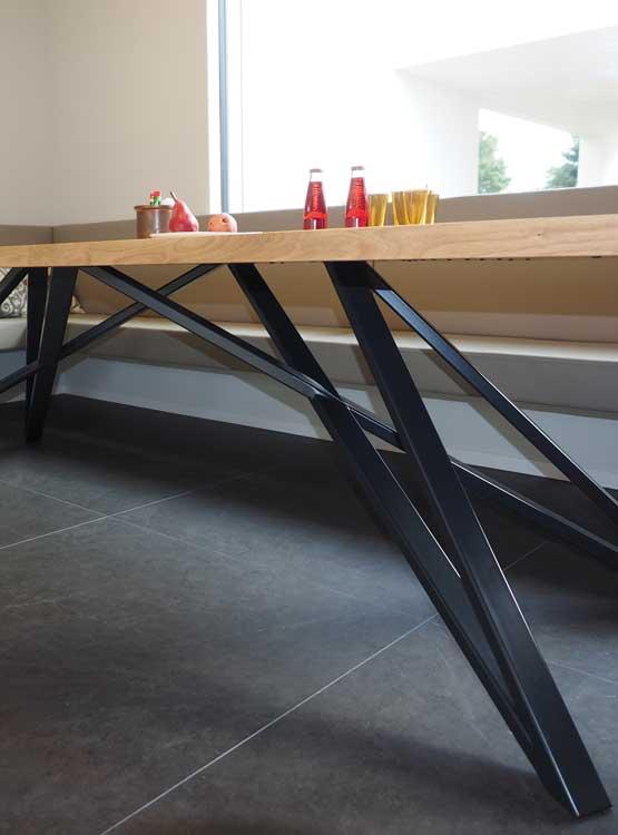 Fußgestell Tisch modern pulverbeschichtet