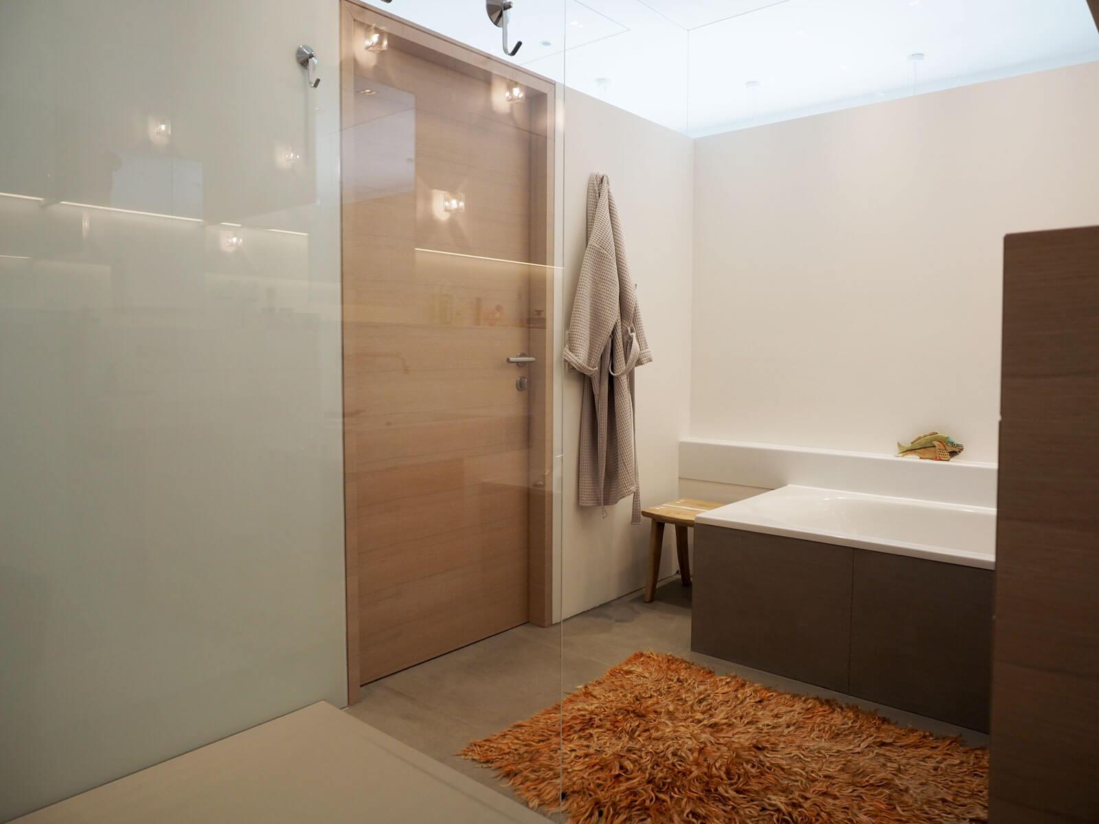 hocker aus der terunobu fujimori kollektion. Black Bedroom Furniture Sets. Home Design Ideas