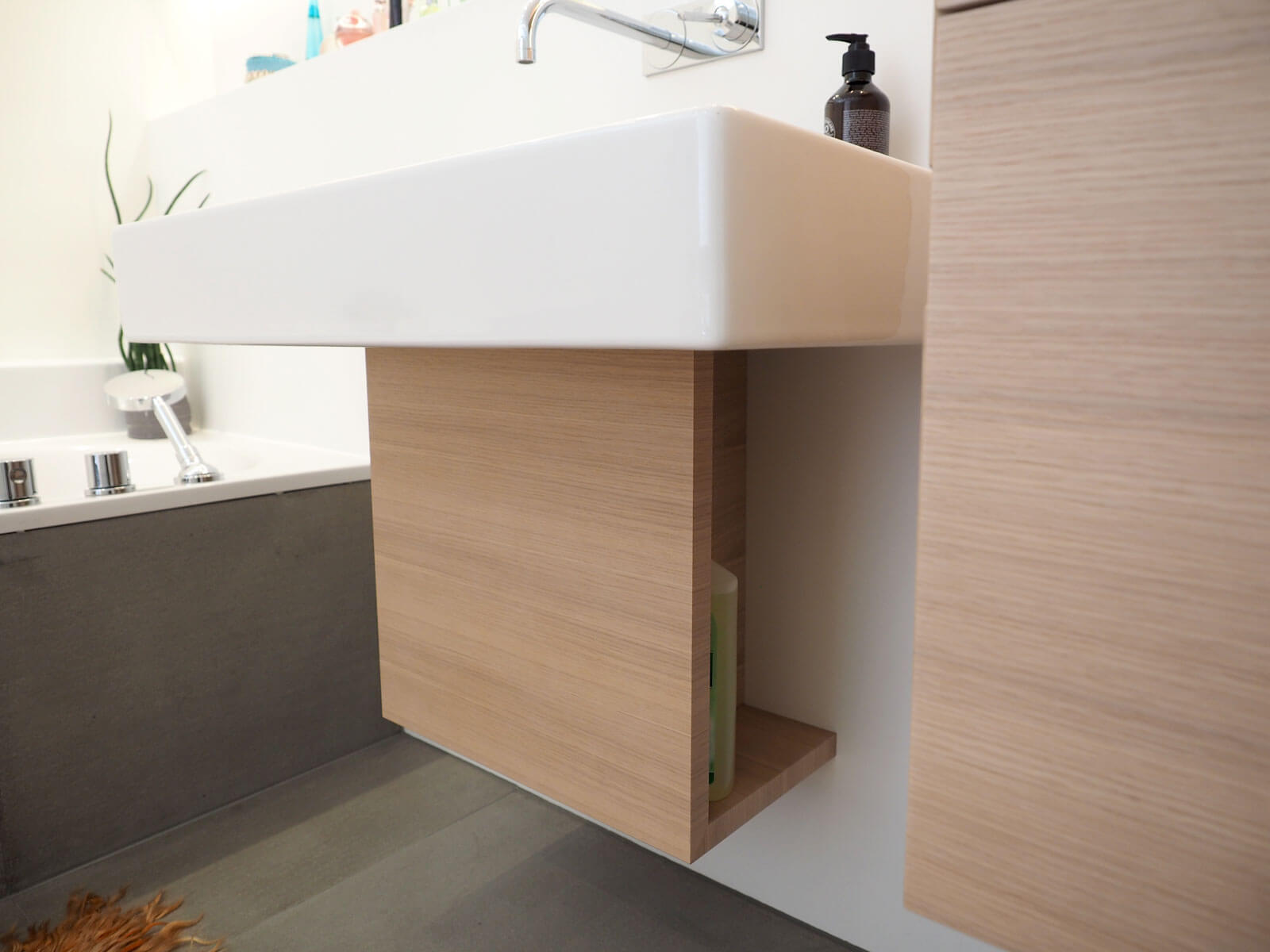 schnell bei der hand und doch nicht sichtbar. Black Bedroom Furniture Sets. Home Design Ideas