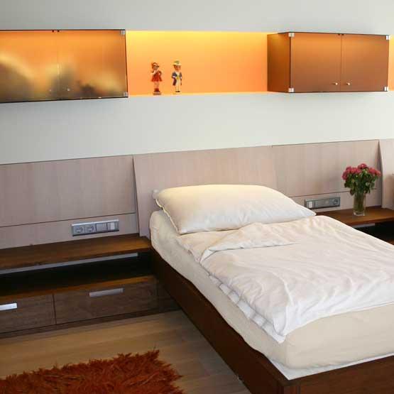 Schlafzimmer Eiche natur und gebeizt