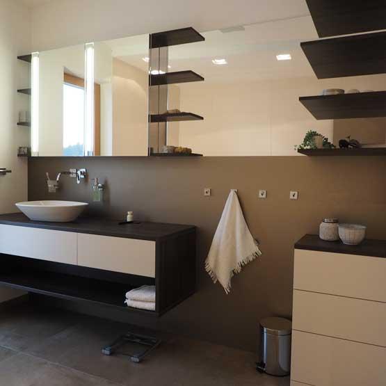 Badezimmer modern nach Maß