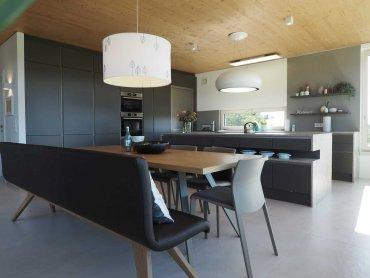 Küche Essbereich modern dunkelgrau nach Maß