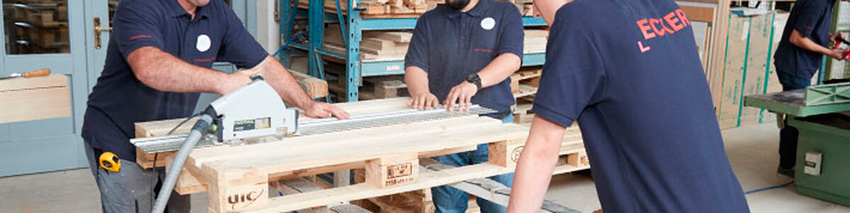 Palettenmöbel bauen Tag der offenen Werkstatt-Türen
