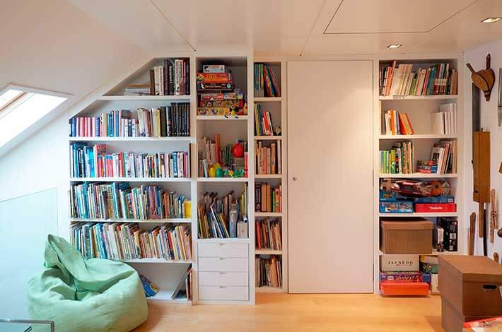 Bücherwand nach Maß