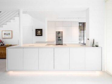 Weiße Küche nach Maß modern Wien
